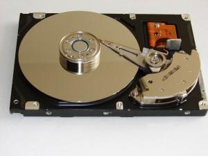 hard-disk-drive-838665