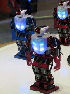 robot-1079265_1920